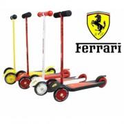 Самокат Ferrari Scuderia F125 3-х колесный